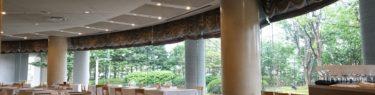 一関のレストラン テラスロンドの店内の風景写真、店内奥川から見た全体写真